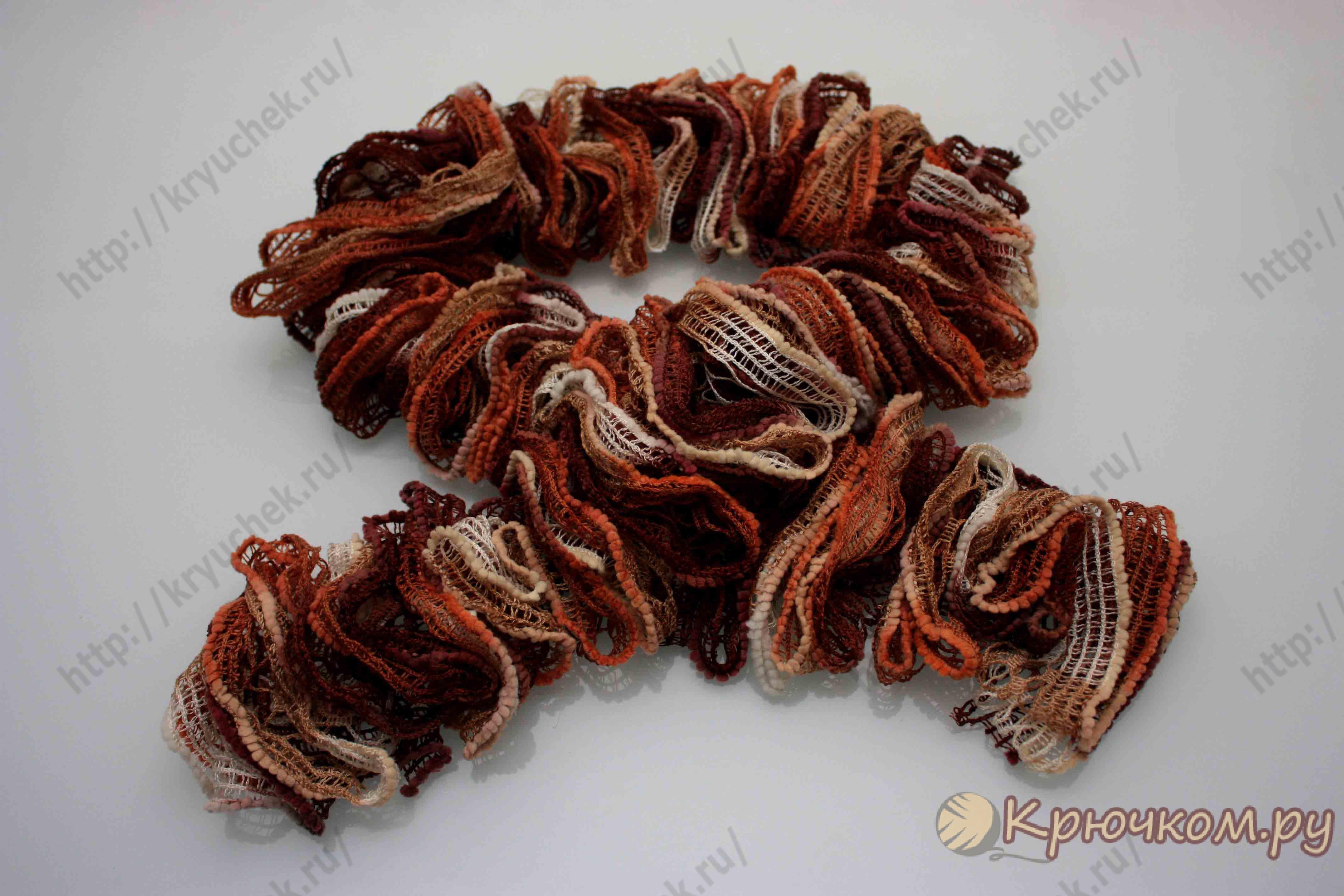 Вяжем шарф из ленточной пряжи