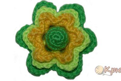 Объемный трехслойный цветок крючком