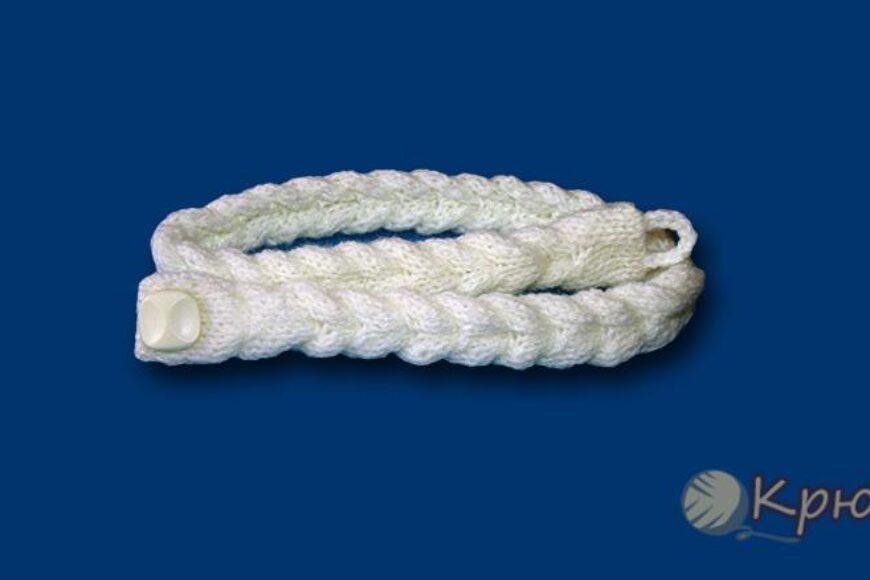 Плетеный пояс, связанный спицами