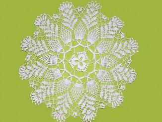 салфетки с цветочными мотивами крючком