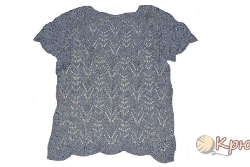 Вязание спицами серой кофточки с коротким рукавом