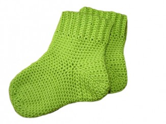 Вяжем крючком детские носочки