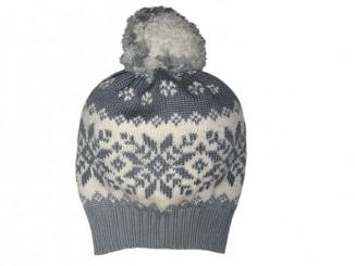 Серая шапка с жаккардовым узором «Снежинки» спицами