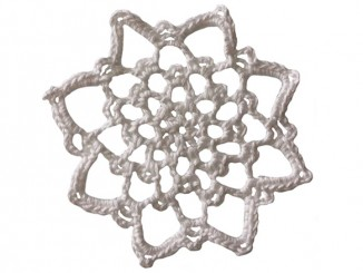 Вязание крючком кружевного мотива «Снежинка»
