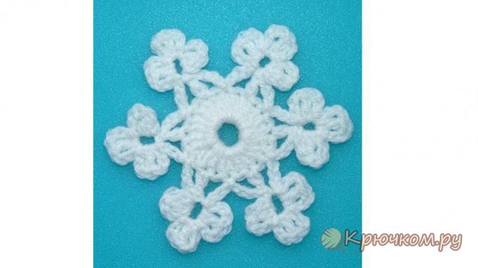 Вязание крючком новогоднего мотива «Снежинка»
