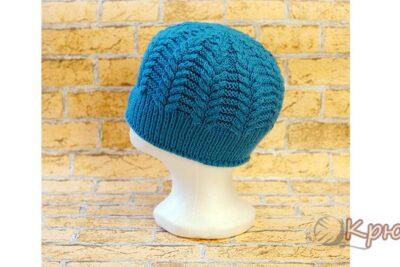 Женская шапка со жгутами