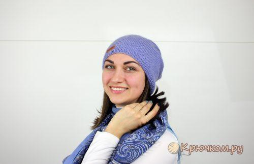 Шапка-бини лицевой гладью