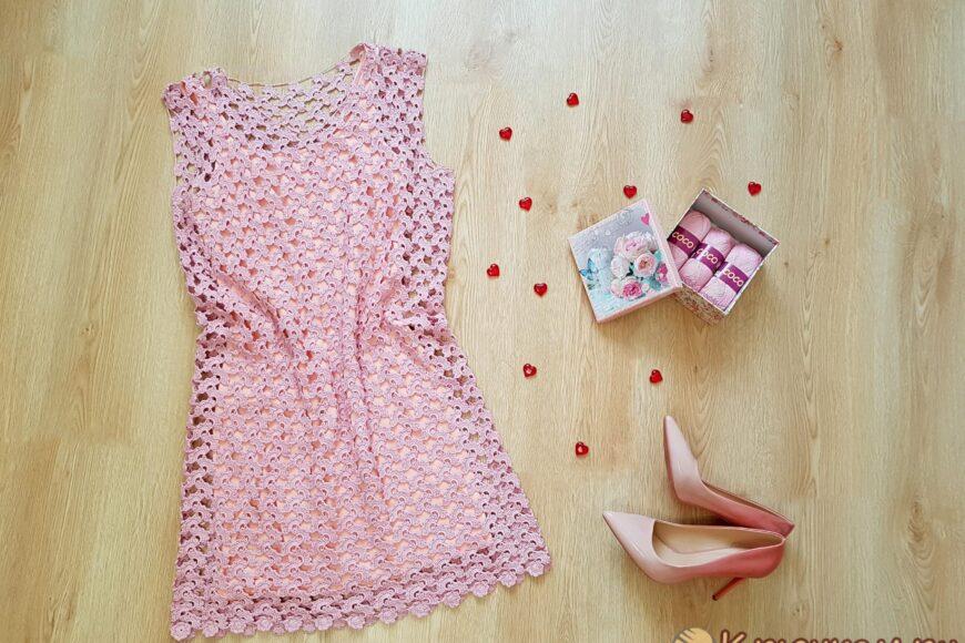Ажурное платье «Пыльная роза» крючком