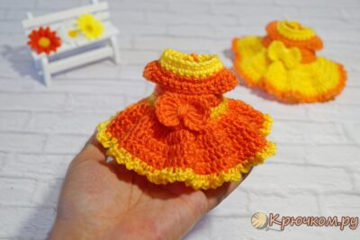 Платье для куклы крючком
