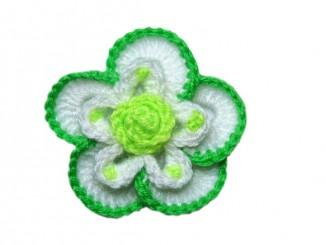 Цветок крючком для украшения шапки