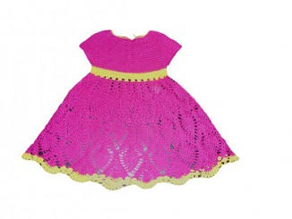 Вязаное крючком розовое платье